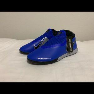Nike Phantom VSN Academy Indoor Soccer Football